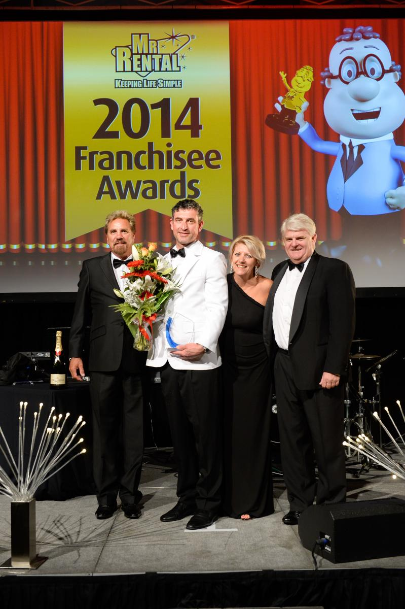 Glen and Kerrianne Hickman (left) and CEO James Nixon-Smith